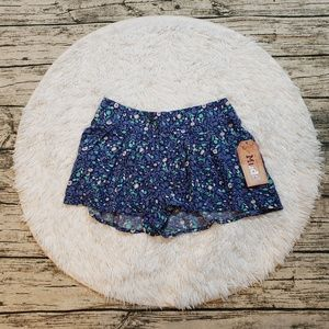 NWT Mudd Juniors Blue Floral Pleated Soft Shorts